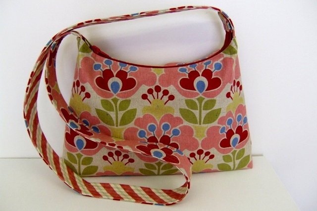 Zipper top bag low-res